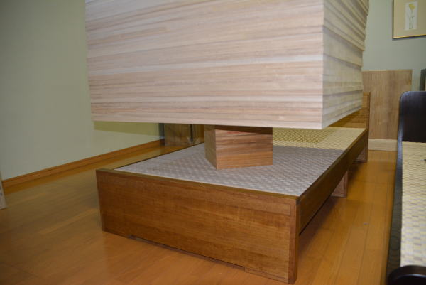 桐のベッドの強度テスト